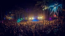 The satisfied Malasimbo crowd embracing the warmth and feel of the festival grounds. (Photo by Renato F Valenzuela)